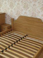 Спальня из дуба. Комод, кровать и прикроватные тумбы. Покрытие масло.