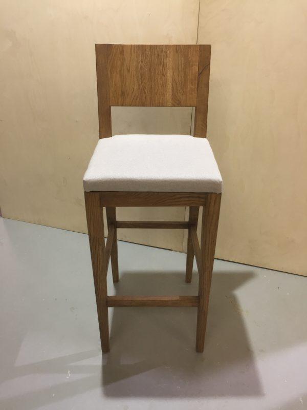 Купить барный стул с мягким сиденьем из дуба в Минске