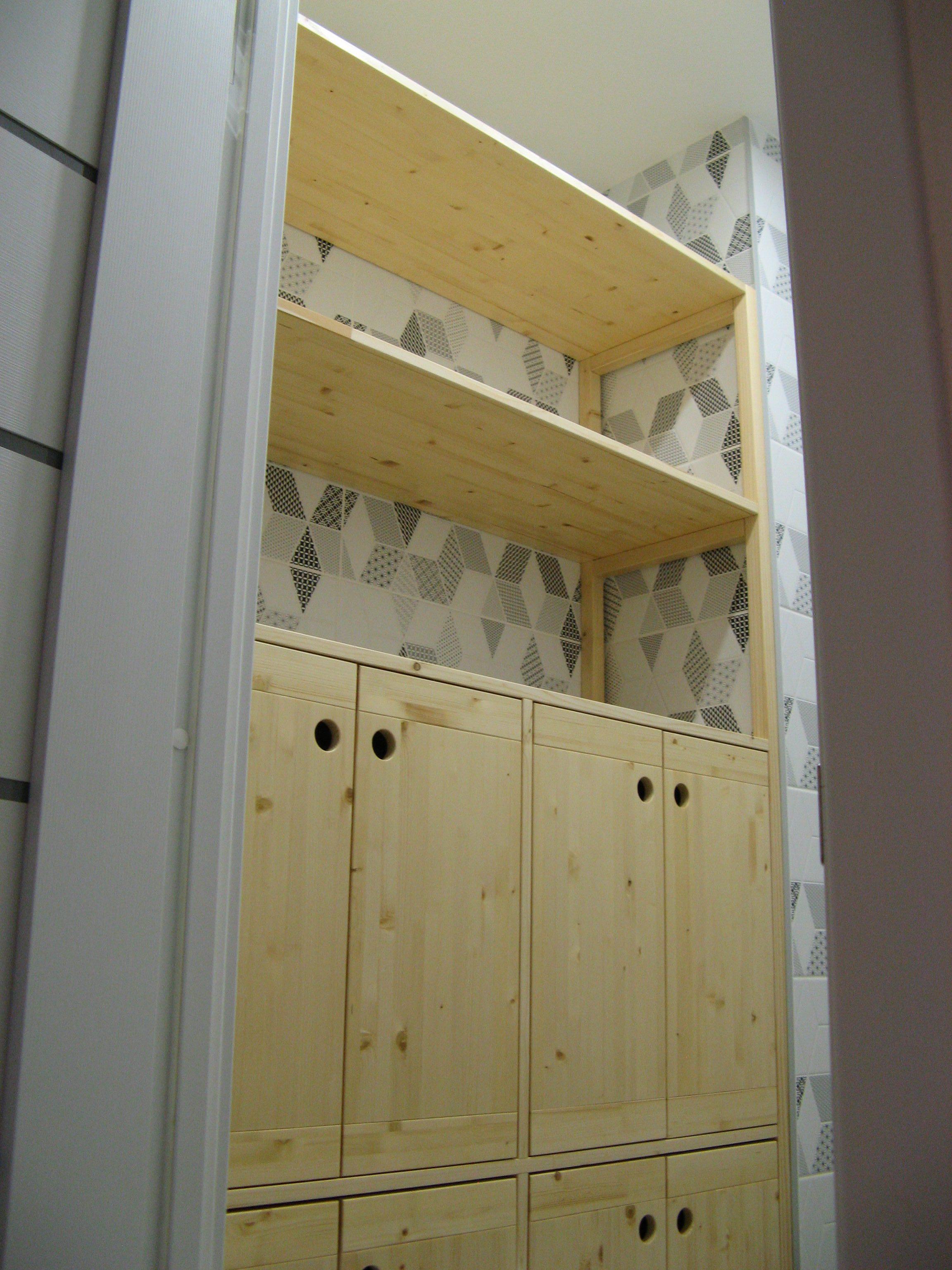 Шкаф-стеллаж из сосны